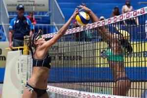 Slovenské plážové volejbalistky zdolali päťky turnaja.