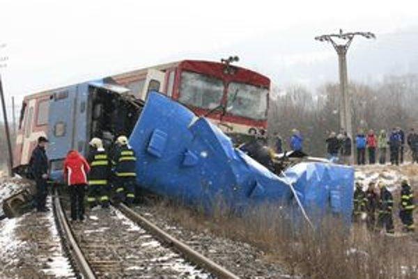 Skutočnosť, že priecestie na Polomke nemalo v čase dopravnej nehody požadovanú bezpečnostnú rezervu, bola potvrdená výpočtom aj z Úradu pre reguláciu železničnej dopravy, ktorý je nezávislým bezpečnostným orgánom pre železničnú dopravu.