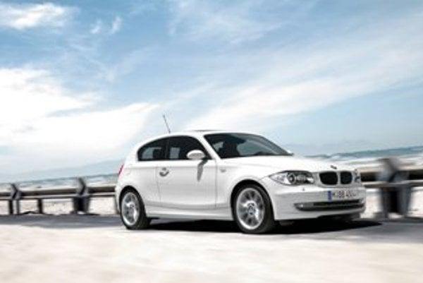 """Nové malé BMW sa rozmermi zaradí """"pod"""" jednotkový rad."""