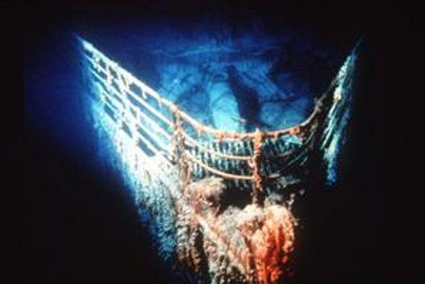 Cesta na morské dno k vraku Titanicu stojí zhruba 60tisíc dolárov na osobu.