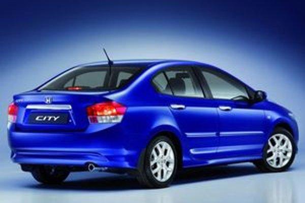 Dizajnéri sa inšpirovali súčasnou štylistickou líniou značky Honda. Na karosérii nového modelu City preto môžeme nájsť viacero detailov odkazujúcich na Civic i Accord.
