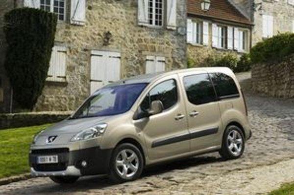 Vonkajšími rozmermi je Peugeot Partner Tepee jedno z najmenších sedemmiestnych áut na trhu. Konštruktéri ťažili z výšky karosérie a bočných posuvných dverí.