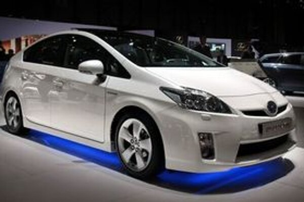 Autosalón v Bratislave predstaví mnohé novinky zo Ženevy. Jednou z horúcich noviniek bude Toyota Prius.