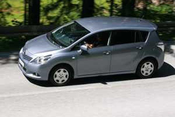 Rodinné auto jazdí ako rodinné a je rozhodne lepšie než sa na prvý povrchný pohľad zdá.