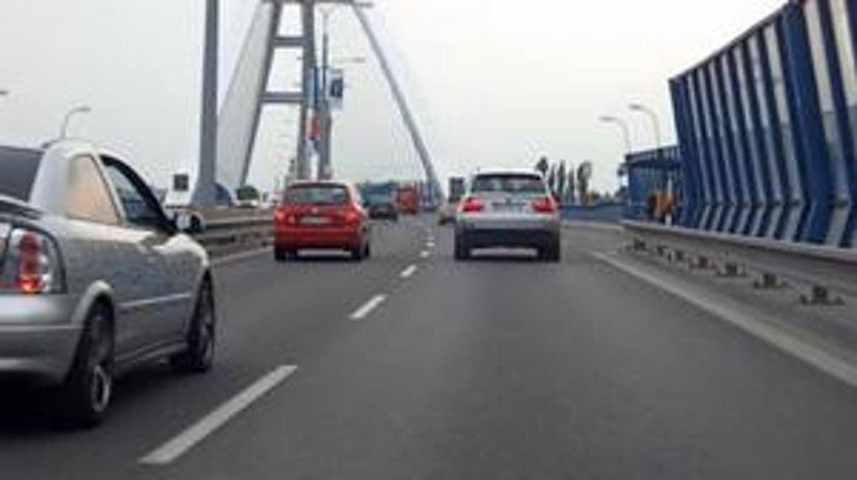 Legenda o rýchlosti na mostoch - auto.sme.sk f770afed021