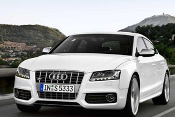 Výkonné auto s päťdverovou karosériou štýlu kupé a výkonným motorom 3,0 V6 TFSI príde do predaja na jar budúceho roka.