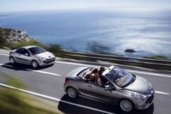 príťažlivý nástupca úspešného modelu 206 CC sa zaradí medzi horúcich kandidátov na titul kabriolet roka 2007