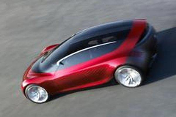 Prostredníctvom šesť - stupňovej automatickej prevodovky sú poháňané všetky štyri kolesá.