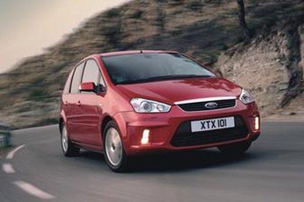 """Kinetický dizajn pomohol Fordu k početným úspechom s prvými dvomi modelmi série """"MAX"""". Nová tvár najmenšieho z partie rodinných vozidiel  preto vôbec neprekvapuje"""