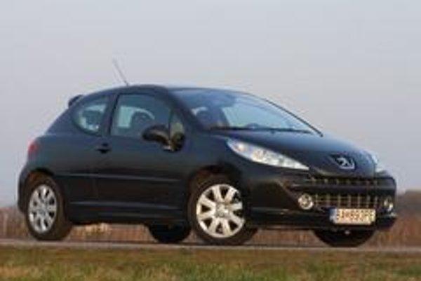 Peugeot 207 GT je štýlové a rýchle auto, použiteľné aj v každodennej premávke. Nevýhodou je pomerne vysoká cena a päťstupňová prevodovka.