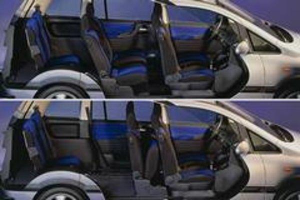 Opel Zafira predstavuje veľmi dobré riešenie pre rodinu s malými deťmi, najmä pomerom sedadiel, nákladmi na prevádzku a nákupnou cenou. Športovo založené rodiny by mali siahnuť po o triedu väčších minivanoch.