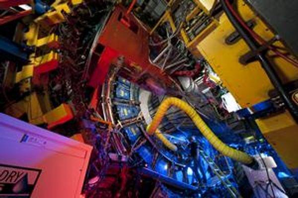 Tevatron možno objavil novú fyziku.