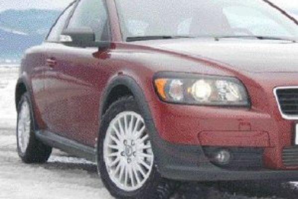 Ešte pred pár rokmi boli hliníkové disky v zime ojedinelé, dnes motoristi chcú, aby ich auto vyzeralo pekne celý rok. Má to aj praktické výhody.