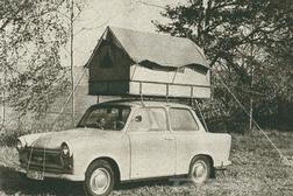 Trabant  existoval v rôznych verziách, s množstvom doplnkov. Napríklad s originálnym stanom na streche.