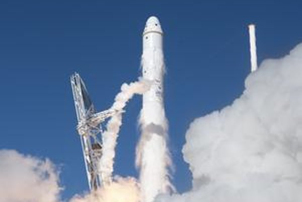 Falcon 9 má za sebou úspešné testy.