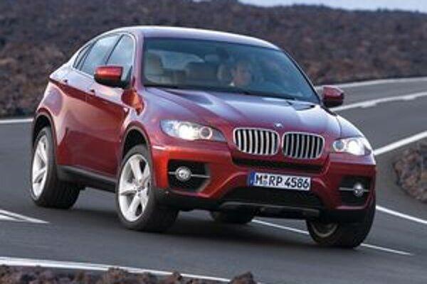 O pohon všetkých kolies sa v BMW X6 stará systém xDrive. Novinkou je zadný diferenciál Dynamic Performace Control.