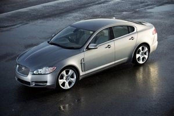 Luxusná značka Jaguar má nového majiteľa.