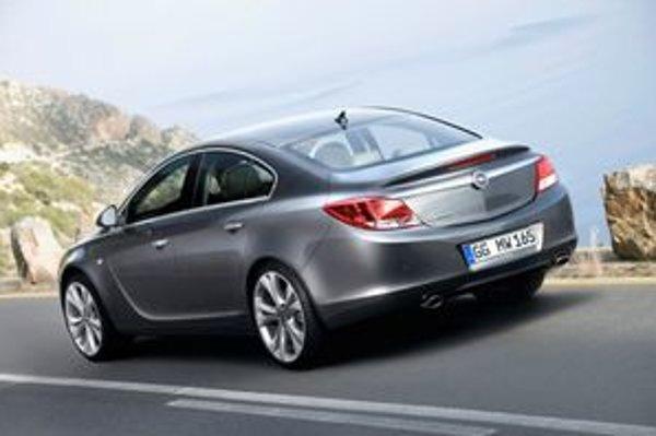 Insignia znamená pre automobilku Opel veľkú nádej ako získať stratené pozície v strednej triede.
