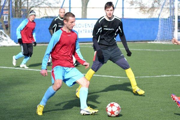 Kanonier Tomáš Illéš (vľavo) nastrieľal v ostatných dvoch zápasoch až desať gólov.