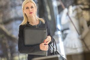 Štátna tajomníčka ministerstva spravodlivosti  Monika Jankovská prichádza na 143. rokovanie vlády SR 27. februára 2019.