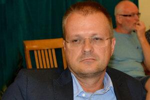Zo Siete prešiel do strany Spolu, ktorú v Košiciach zakladal. Kvôli nejasnostiam okolo jeho konkurzu dostal dvojročný zákaz straníckych funkcií.
