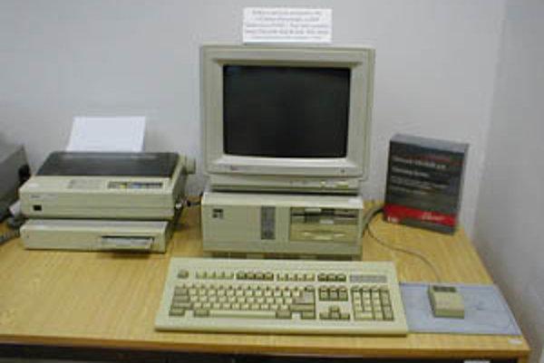 PC z JZD Slušovice nazvaný TNS