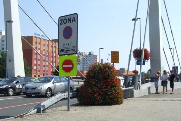 Jednosmerná je aj doprava na Chrenovskom moste.