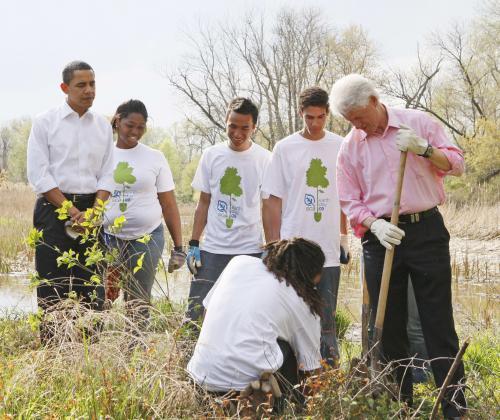 sadenie-stromcekov-prezidenti2_tasrap.jpg
