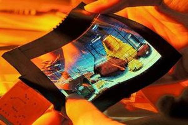 Ohýbacia obrazovka, okuliare do diaľky aj na čítanie, plavidlo, ktoré využíva energiu vĺn, aj súprava do seba zapadajúcich panvíc získali tento rok cenu Technology Innovation Awards.