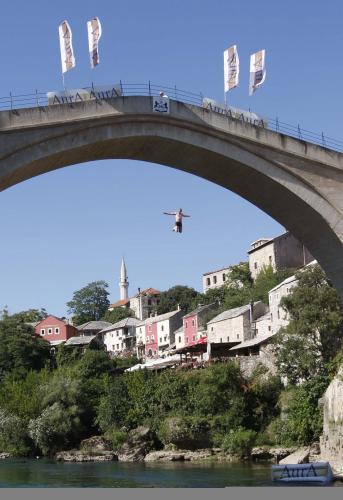 skok-z-mosta3_tasrap.jpg