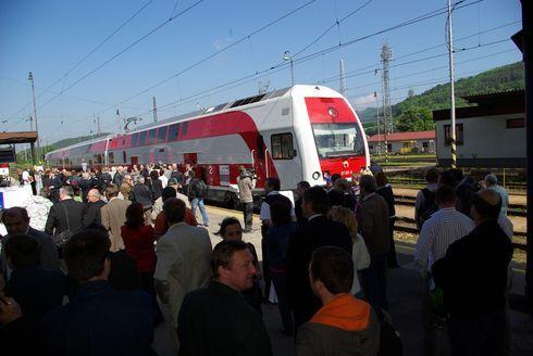 vlak2_490.jpg