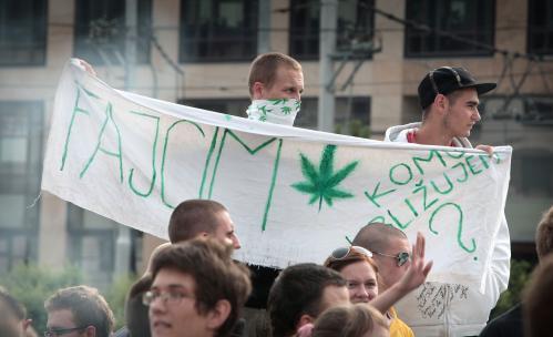 pochod_za_marihuanu.2.sme.jpg