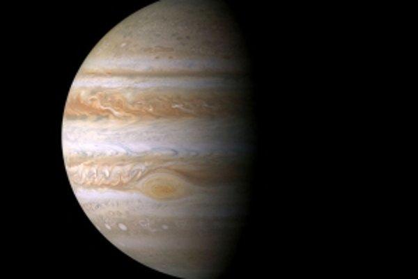 Neďaleko Jupitera sa zrejme rodí nový prstenec.