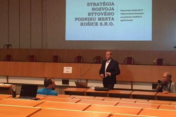 Peter Vaško vystúpil pred verejnosťou ako prvý z uchádzačov o post šéfa niektorej z mestských firiem.