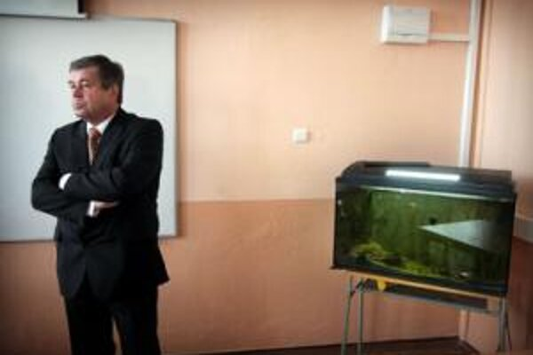 Minister školstva Ján Mikolaj sa prišiel pozrieť na angličtinu.