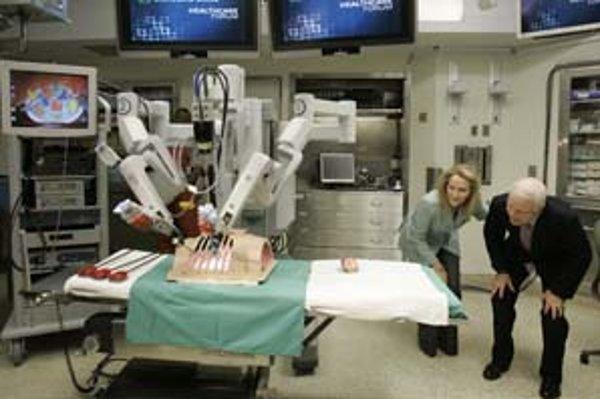 Robot ako predĺžená ruka lekára.