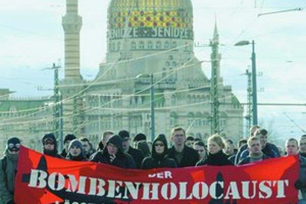 V roku 2005 využili výročie bombardovania pravicoví radikáli. Prirovnali ho holokaustu.