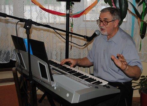 miko_seniori-klavir2_180214_res.jpg