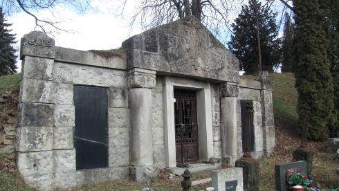 neoromanska-hrobka_r4302.jpg