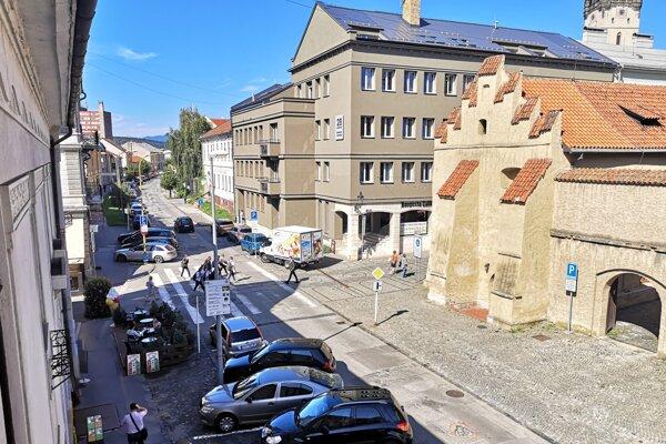 Na opravu Jarkovej ulice sa čaká dlhé roky.