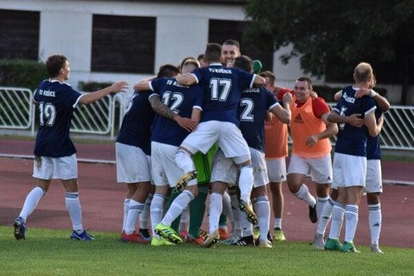 Futbalisti Slávie TU Košice sú naďalej na čele tabuľky 4. ligy Juh.