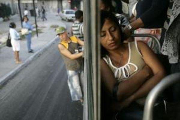 Mestská doprava v Havane.