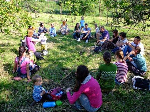 prve-stretnutie-rodicov-v-areali-lesnej-_r2810_res.jpg