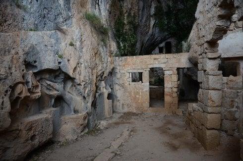 jaskyna_r2437_res.jpg