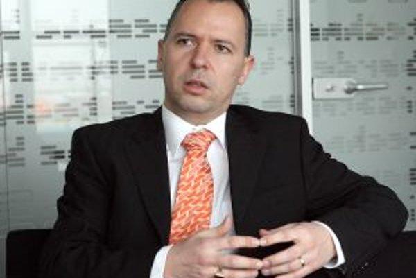 Stanislav Molčan, predseda predstavenstva GTS Nextra. GTS Nextra vznikla spojením piatich spoločností, ktoré poskytovali telekomunikačné služby najmä firemnému segmentu. Jedine Nextra sa zameriavala aj na domácnosti, ktorým naďalej poskytujú služby. Firma