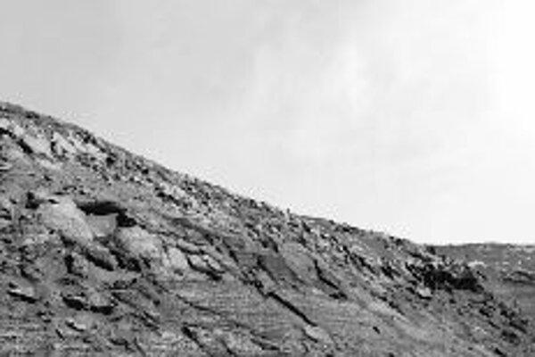 Umelecká vízia oblakov na Marse pri pohľade z povrchu Opportunity, verne odrážajúca skutočné merania.Kredity ilustrácií - NASA/JPL, ESA, STScI