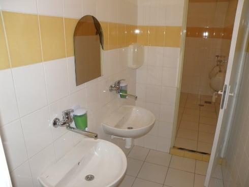 toalety_r6260.jpg