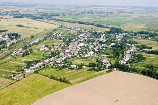 Šľachtický rod Wiczmándy sa do Budkoviec vrátil v roku 1993.