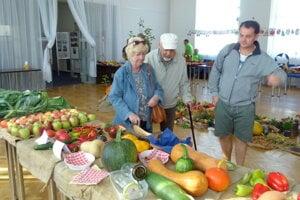 Vo Vrútkach na výstave kvetov, húb, ovocia a zeleniny.