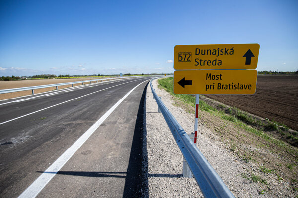 Nová cesta okolo Mosta pri Bratislave je tesne pred dokončením.